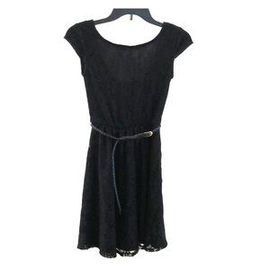 Dresses & Skirts - NWT Lace Overlay Scoop Neck Short Sleeve LBD